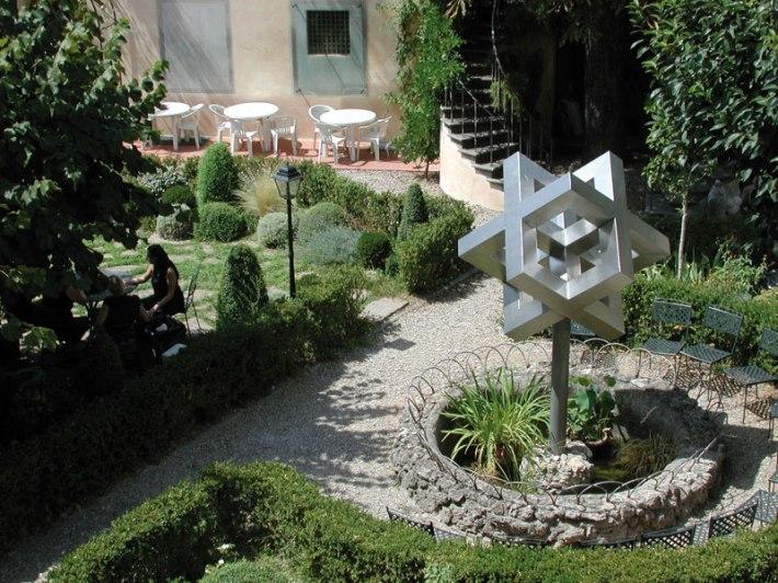 SACI Garden in Palazzo dei Cartelloni (Sculpture by Sergio Traquandi)