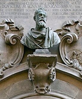 The bust of Galileo Galilei on SACI's Palazzo dei Cartelloni, Florence