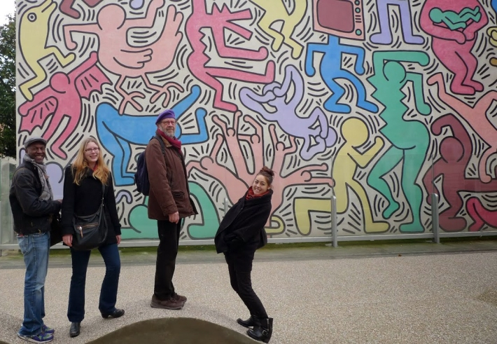 Post-Bac students with Lorenzo Pezzatini in Pisa visiting Keith Haring's mural from the 1980s