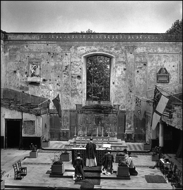 Robert Capa, Roofless interior of St. John's church in a heavily bombed Cockney neighborhood, London, June-July 1941, International Center of Photography - Magnum Photos