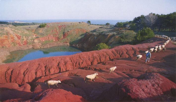 baxite-quarry