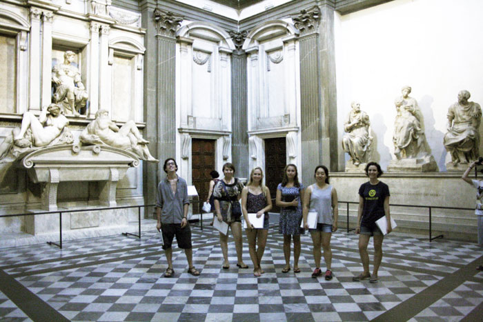 SACI sculpture students visiting the Medici crypt of San Lorenzo