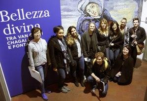 SACI Drawing students at Palazzo Strozzi