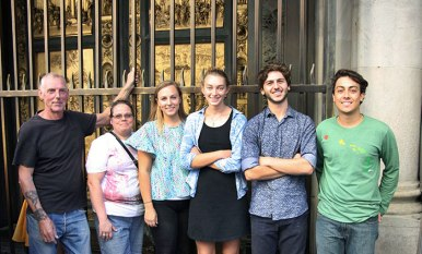 SACI sculpture instructor, John Taylor, with SACI students in front of the Baptistry doors