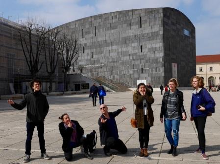 SACI students at the Museum of Modern Art (MUMOK), Vienna