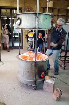 Raku firing at La Meridiana