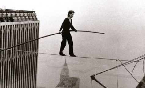 https://saciart.files.wordpress.com/2016/07/man-on-wire-documentary-of-philippe-petit-1974.jpg?w=474