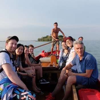 SACI photography students, program Director Jacopo Santini, and gondoliers of the Venice Summer Program