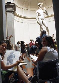 SACI students drawing at the Academia Gallery