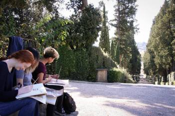 SACI Drawing students in Boboli Gardens.
