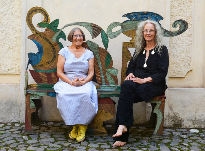 Artists Betty Woodman and Kiki Smith (photo courtesy of Galleria Lorcan O'Neill, Rome)